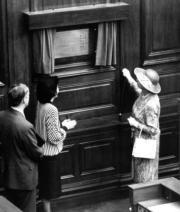 1986年,英女王伉儷再度訪港(政府新聞處資料圖片)