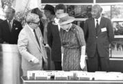 【1986年再度訪港】英女王(前排右)(政府新聞處資料圖片)