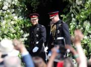 英國哈里王子(左)結婚,兄長威廉王子(右)當伴郎。(新華社)