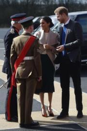 哈里王子(右一)與馬克爾(右二)(法新社)
