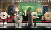 【世界遺產:良渚古城遺址】遊客於良渚博物館內參觀。(中新社)