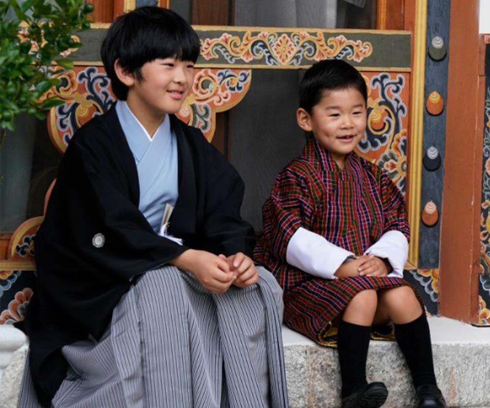 不丹小王儲日本悠仁王子排排坐 網民讚可愛