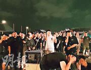 《屍殺列車》金義聖率劇組遮眼再撐香港