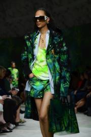 【米蘭時裝周2020春夏系列】Versace 2020春夏系列(法新社)