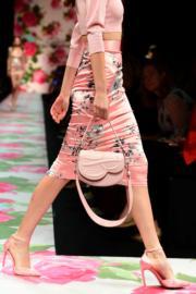 【米蘭時裝周2020春夏系列】Blumarine 2020春夏手袋(法新社)