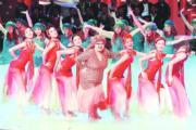 38周年台慶肥姐沈殿霞扮美人魚跳舞。(資料圖片)