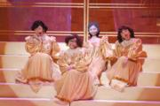 41周年台慶李思捷、阮兆祥與王祖藍反串四朵金花的演出維肖維妙。(資料圖片)