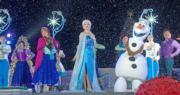 香港迪士尼樂園即日至2020年1月1日舉行「A Disney Christmas」,有各式各樣活動。圖為魔雪奇緣飄雪時刻。(黃詠賢攝)