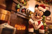 【A Disney Christmas@香港迪士尼】米奇穿上聖誕裝。(圖片由相關機構提供)