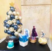 【A Disney Christmas@香港迪士尼】迪士尼樂園和酒店餐廳推出多款以《魔雪奇緣》為主題的飲品和甜品。(黃詠賢攝)