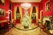 【世界各地迎聖誕2019】美國華盛頓白宮內的聖誕燈飾(新華社)