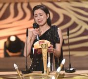 黃智雯雖然只是頒獎嘉賓,但她心情激動,因為最佳女配角得獎者是她的好姊妹趙希洛。(娛樂組攝)