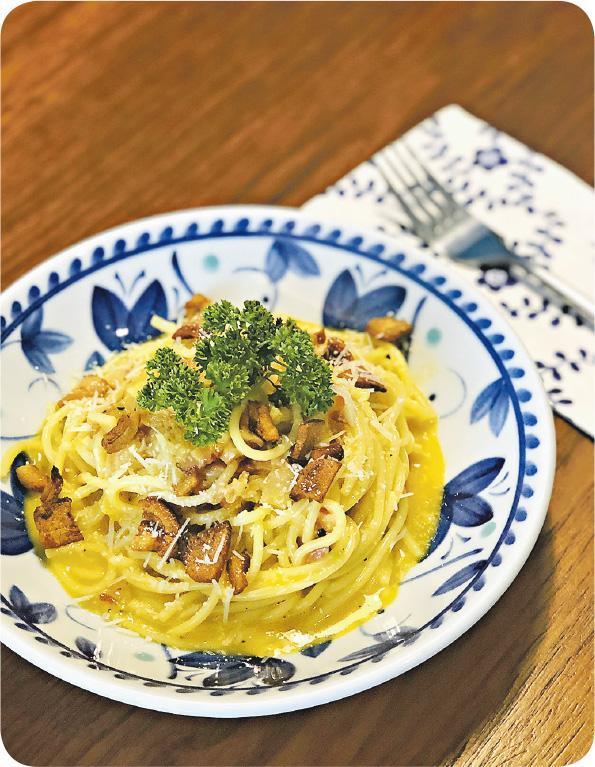 【美食】饒雙宜《家常便飯·豬油卡邦尼·芝士蛋液掛麵·秒速吃光》by Julia