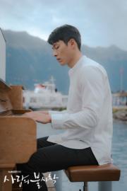 玄彬文武雙全,彈得一手好琴,還會創作歌曲。(tvN/Netflix劇照)
