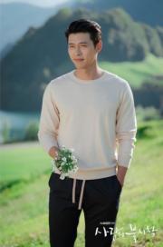 玄彬為愛人送上鮮花,變身正宗「花美男」。(tvN/Netflix劇照)