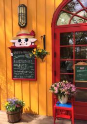 吉卜力美術館的咖啡店座位有限,需要等候入座。(黃廷希攝,圖片攝於2017年4月)