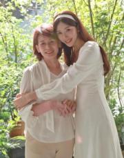 已為人妻的林志玲攬實媽咪,並叫大家在母親節別忘了一句關懷和一個擁抱。(ig圖片)
