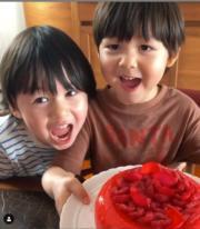 周汶錡兩個囝囝祝媽咪母親節快樂。(ig圖片)