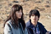 三浦春馬曾與綾瀨遙(左)合演日劇《別讓我走》。(網上圖片)