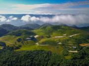2017年7月21日,重慶雲陽龍缸國家地質公園岐山草場風景(新華社)