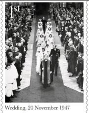 1947年11月20日,英女王(時為伊利沙伯公主)與菲臘王子在西敏寺舉行婚禮。(Royal Mail Instagram圖片)