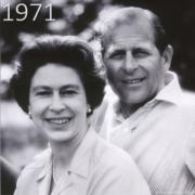 1971年,英女王與王夫菲臘親王合照(The Royal Family YouTube短片截圖)