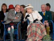2014年,英女王伊利沙伯二世與王夫菲臘親王(法新社)