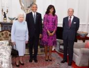 2016年,英女王(左一)和王夫菲臘親王(右一)與奧巴馬夫婦(中)會面。(法新社)