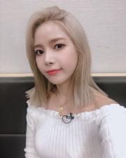 【全球百大美女2019】第24位:韓國女團Mamamoo成員Solar(mamamoo_official Instagram圖片)