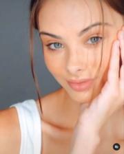 【全球百大美女2020】第3位:澳洲模特兒Meika Woollard(meikawoollard Instagram影片截圖)