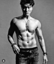 王浩信身材高大,而且勤做運動,故身形弗爆。(資料圖片)