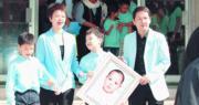 孻仔廖文諾患上血癌,於2006年病逝,當年智叔與陳敏兒為諾諾舉行安息禮,在台上講述諾諾的苦與樂,他們走出喪子陰霾,帶笑迎接未來。(資料圖片)