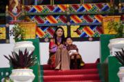 2021年8月19日,不丹王后佩馬(左)和小王儲(右)(Jetsun Pema facebook圖片)