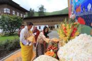 2020年6月30日,前排左起:不丹國王基沙爾、二王子、王后佩馬及小王儲。(His Majesty King Jigme Khesar Namgyel Wangchuck facebook圖片)