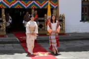 2019年8月19日,日皇德仁的弟弟文仁夫婦與兒子悠仁到訪不丹,文仁的妻子紀子(左)與不丹王后佩馬(右)(His Majesty King Jigme Khesar Namgyel Wangchuck facebook圖片)