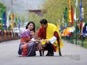 不丹國王、王后與小王儲(不丹王室網站圖片)