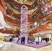 fashion news:三角標誌高塔  注入光彩活力