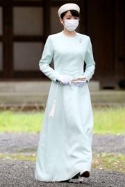 2021年10月19日,真子公主在結婚前幾天,前往皇居的宮中三殿參拜。(法新社)