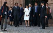 2019年7月14日,真子公主訪問秘魯,穿上白色套裝。(法新社)