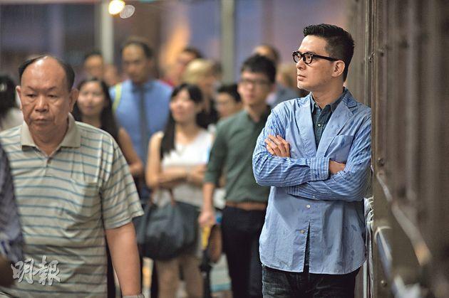黃耀明感嘆香港部分創作人開始自我審查,媒體亦不如當年大膽討論社會議題,憂心港人逐漸失去文化產業的言論空間優勢。(鄧宗弘攝)