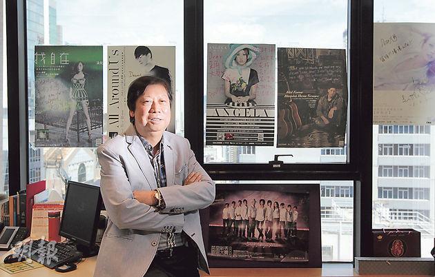 TVB早年元老之一吳雨現為英皇娛樂行政總裁,對比80年代黃金時期,吳雨認為現今香港人才凋零,呼籲業界盡快組織民間聯盟,整合資源應對市場競爭。(李澤彤攝)