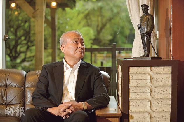 曾訪問中國的日本自衛隊前統合幕僚長齋藤隆(圖)認為,解禁集體自衛權,是保障日本成為和平國家的前提。他又表示希望中日軍官多會面交流,對應釣魚島問題要冷靜,盡快建立緊急聯絡體制。齋藤氏旁的雕像乃舊日本海軍「戰神」東鄉平八郎。(余俊亮攝)