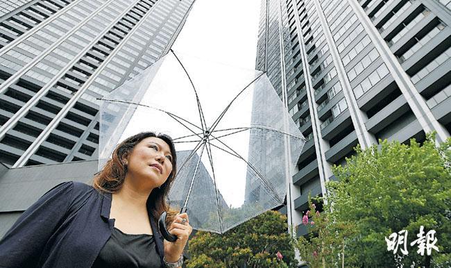 做貿易生意的北京人于女士鍾情投資東京物業,今年她又接連買下兩店舖。她形容東京商舖比北京便宜,又看好奧運升值潛力,值得投資。(余俊亮攝)