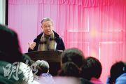 溫州一間家庭教會正在聚會講道,這些教會通常租用普通商用或住宅樓的房間作為聚會點,未向官方做場所登記,獨立於「三自」體系之外。(林俊源攝)