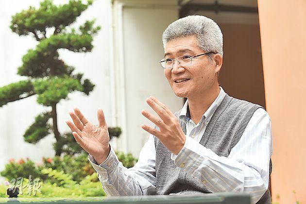 中正大學社會科學院副院長胡元輝指,因為貧富差距拉大,年輕人有「相對剝奪感」較強。(陳淑安攝)