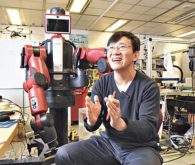 科大電子及計算機工程學系教授李澤湘指出,香港具備條件發展科研,例如良好教育及法治系統,可惜未把握機遇,即使曾有好計劃,也沒好好執行,猶如坐在金礦上,但只天天埋怨。(陳淑安攝)