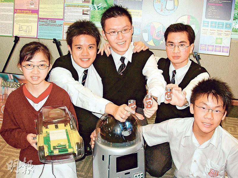 李洛衡自小鍾情科學,11年前代表香港參加國際科學比賽,但長大後考慮到科學出路窄,現已轉投商界。(林俊源攝)