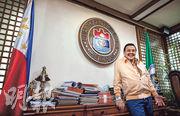 菲律賓前總統、現任馬尼拉市長埃斯特拉達接受本報專訪,希望中菲合作發展經濟,美國不應插手南海問題。(李澤彤攝)