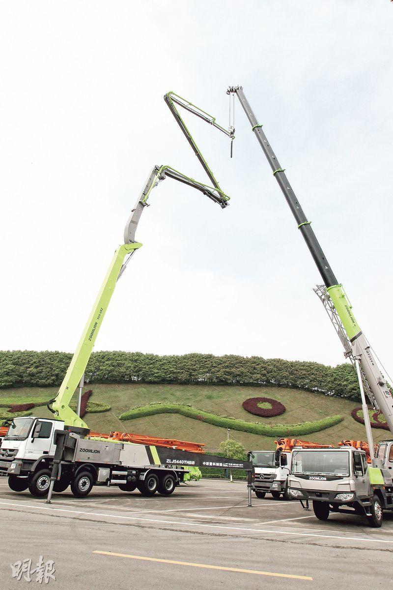 圖為中聯重科製造的泵車,可將水泥運送至建築物高處方便作業。(林俊源攝)