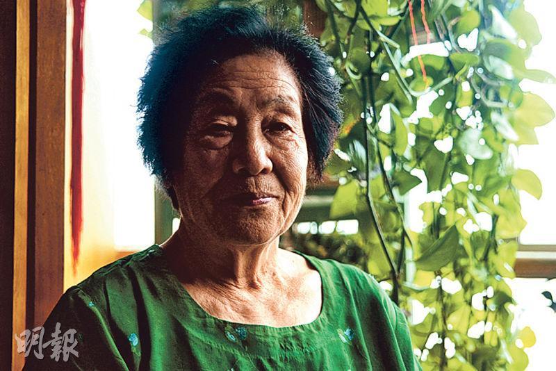 宋哲元外甥女李惠蘭研究29軍抗戰史30多年,談起舅舅當年的抗戰經歷,如數家珍。(鄭海龍攝)